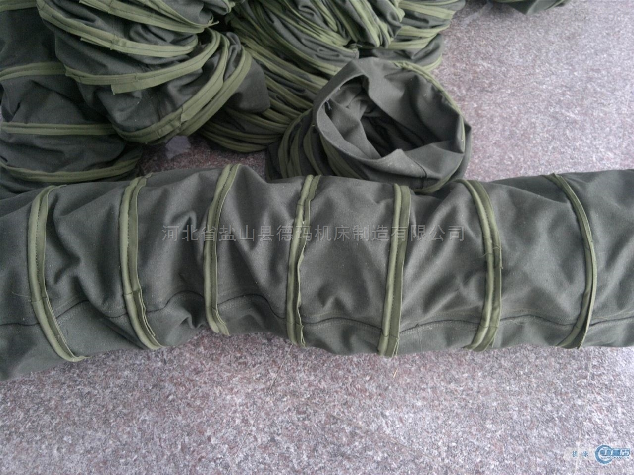 自定-绿色棉布伸缩软连接生产厂家